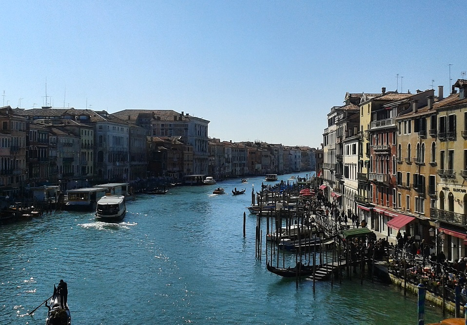 Venice-Grand-Canal-from-Rialto-Bridge (3)